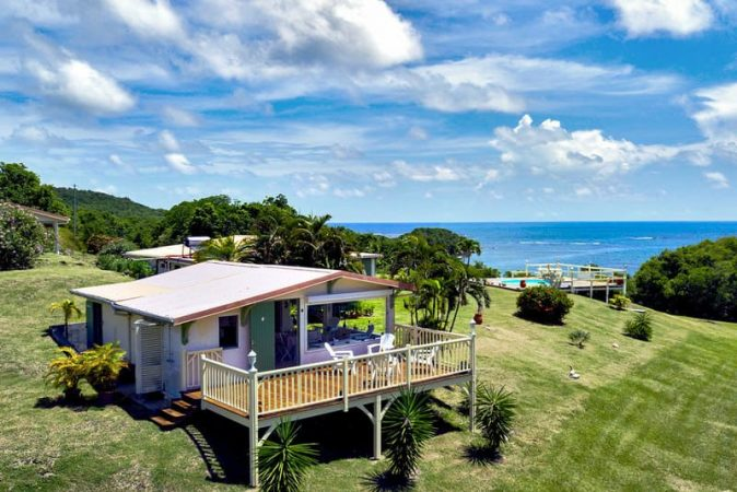 location bungalow martinique bord de mer